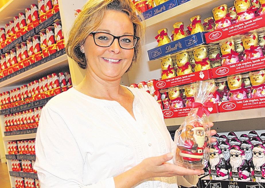 Alles ist vorbereitet: Franziska Wahls zeigt süße Versuchungen im Untergeschoss auf dem Weihnachtsmarkt.