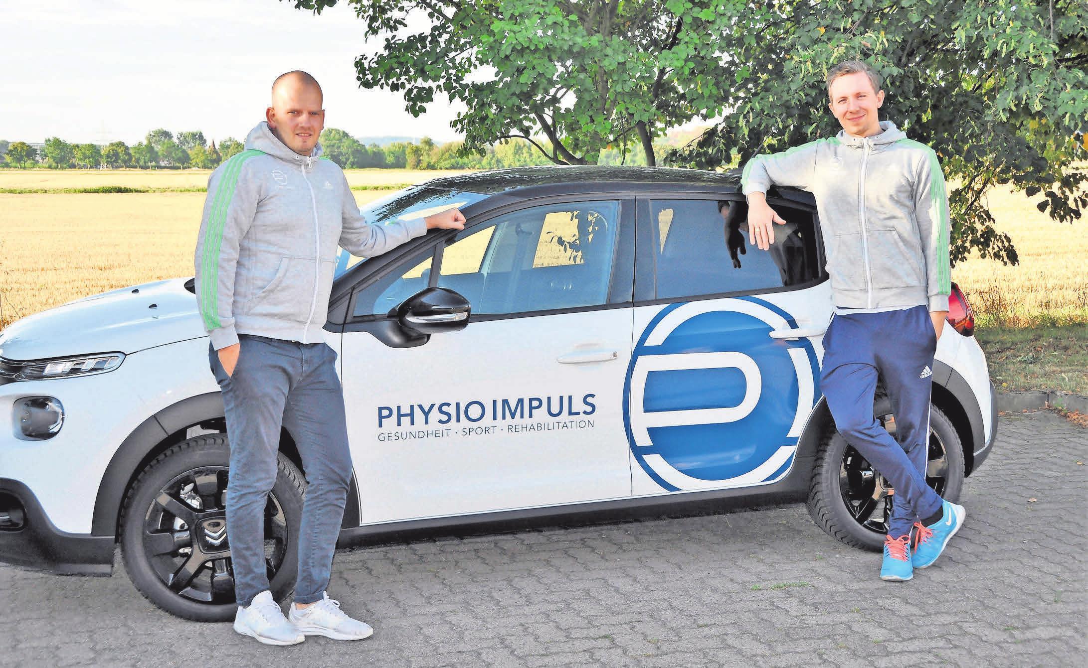 Lars Papenberg (rechts) und Hendrik Neumann leiten gemeinsame die PhysioImpuls-Praxis im Empelder Sportcenter.