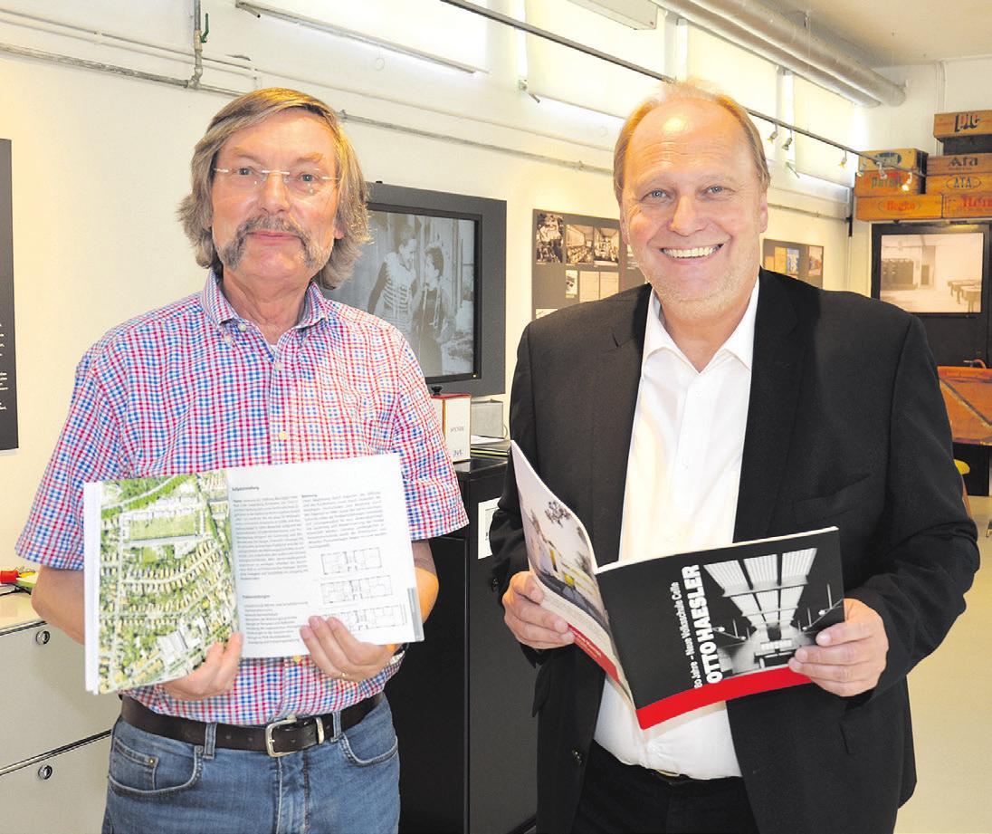 Rudolf Becker (links) und Ulrich Kinder (rechts) freuen sich über die vielen Besucher. Foto: Müller