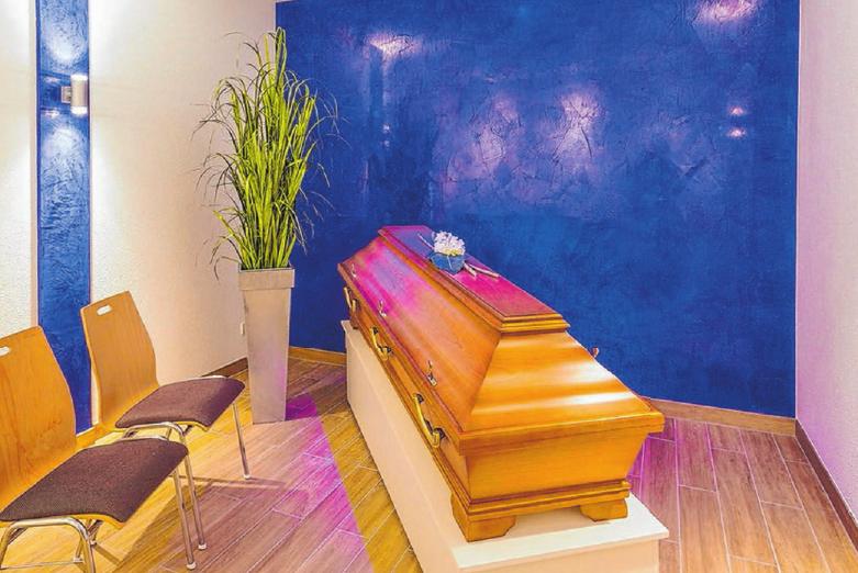 Urne oder Sarg? Wer möchte, kann schon zu Lebzeiten genau festlegen, wie die eigene Beerdigung einmal aussehen soll. Archivfoto