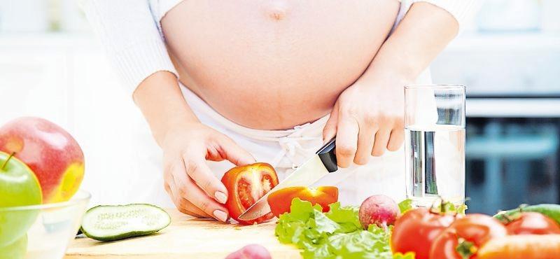 Während der Schwangerschaft vielseitig und vollwertig ernähren