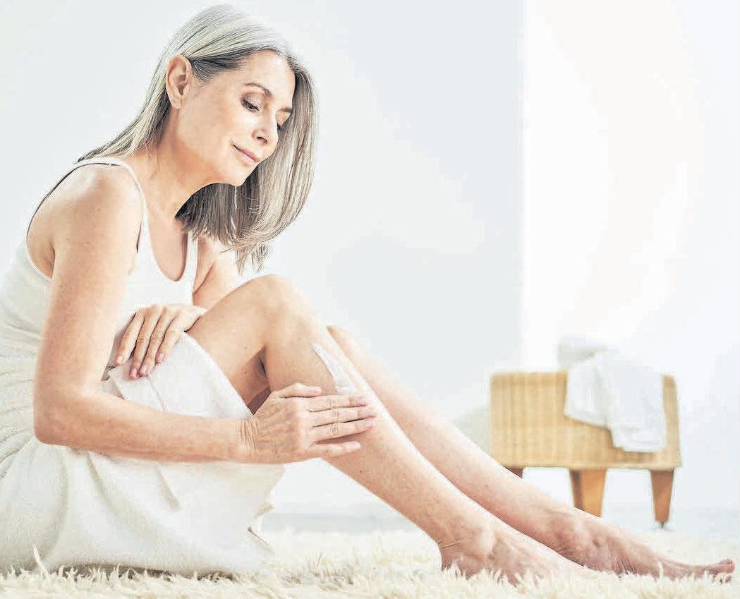 Leinöl wirkt antiseptisch und speichert Feuchtigkeit. Es wird seit Jahrhunderten in Hautpflegeprodukten verwendet und hilft dabei, die Haut feucht zu halten sowie Rötungen und Juckreiz zu lindern.