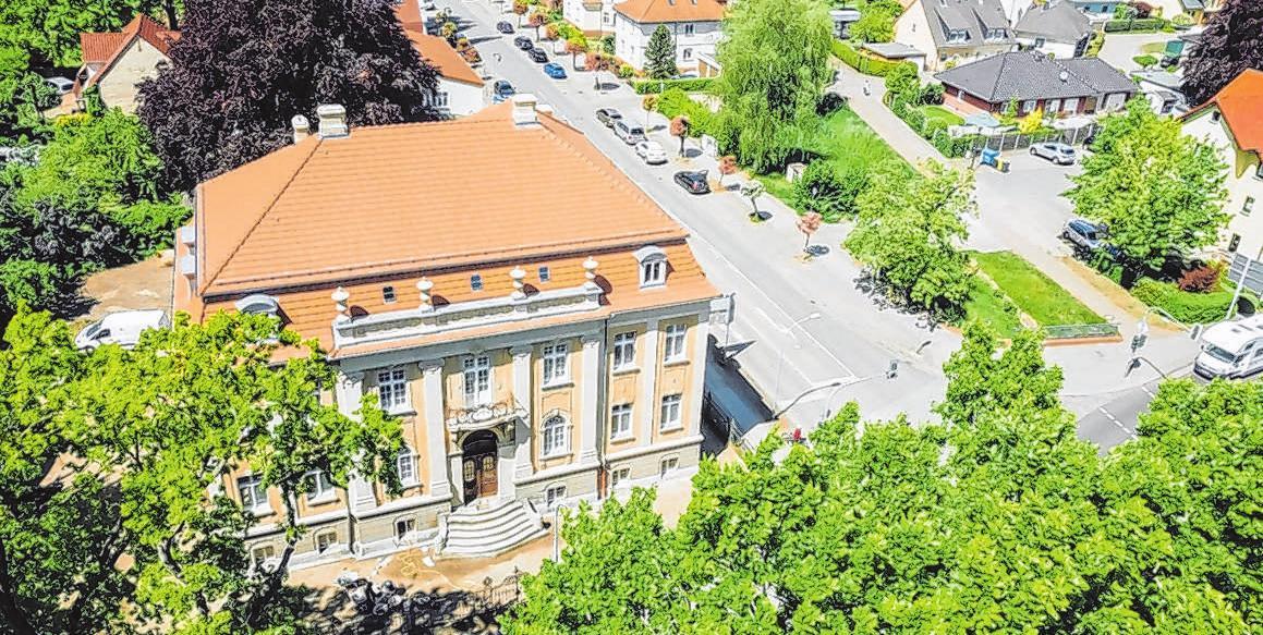 Die Villa ist ein stadtbildprägendes Gebäude in Neuruppin.