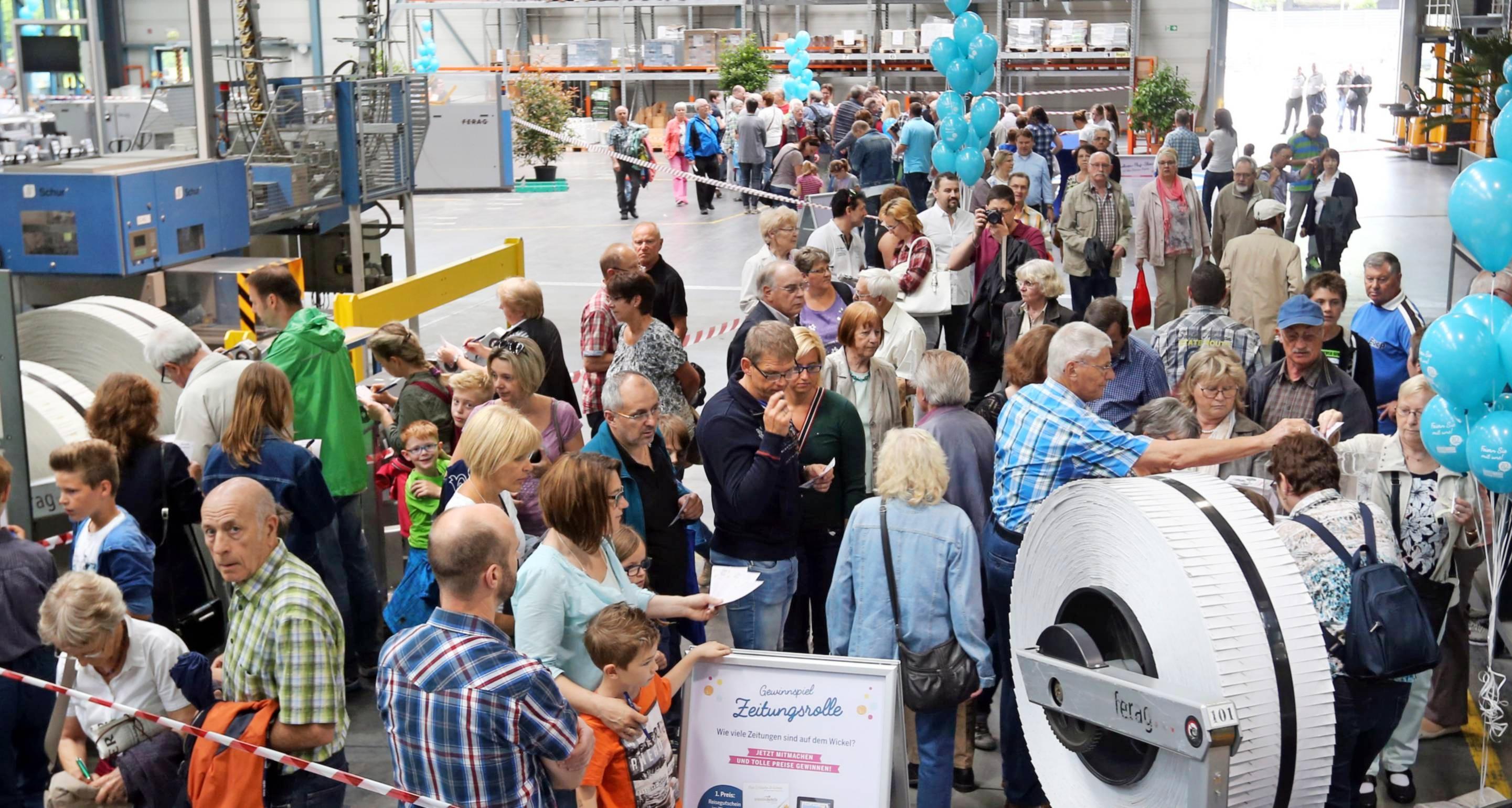Zum 70. Stimme-Geburtstag besichtigen tausende Besucher das Druckzentrum.