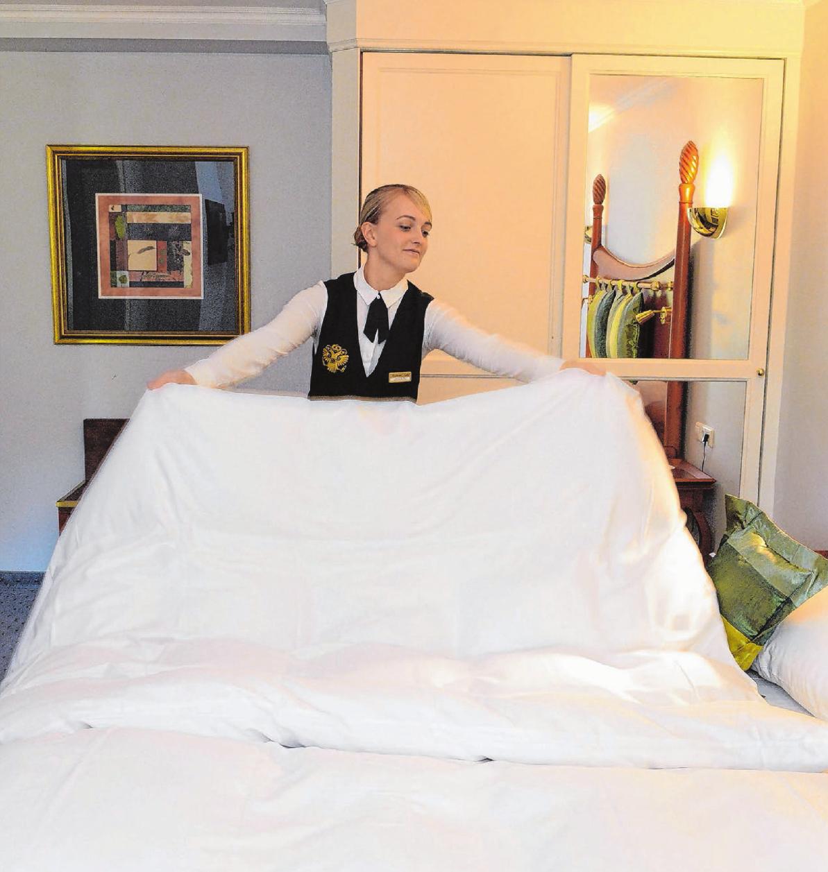 Angehende Hotelfachleute durchlaufen während ihrer Ausbildung sämtliche Bereiche. So lernen sie die verschiedensten Arbeitsabläufe kennen. Foto: dpa