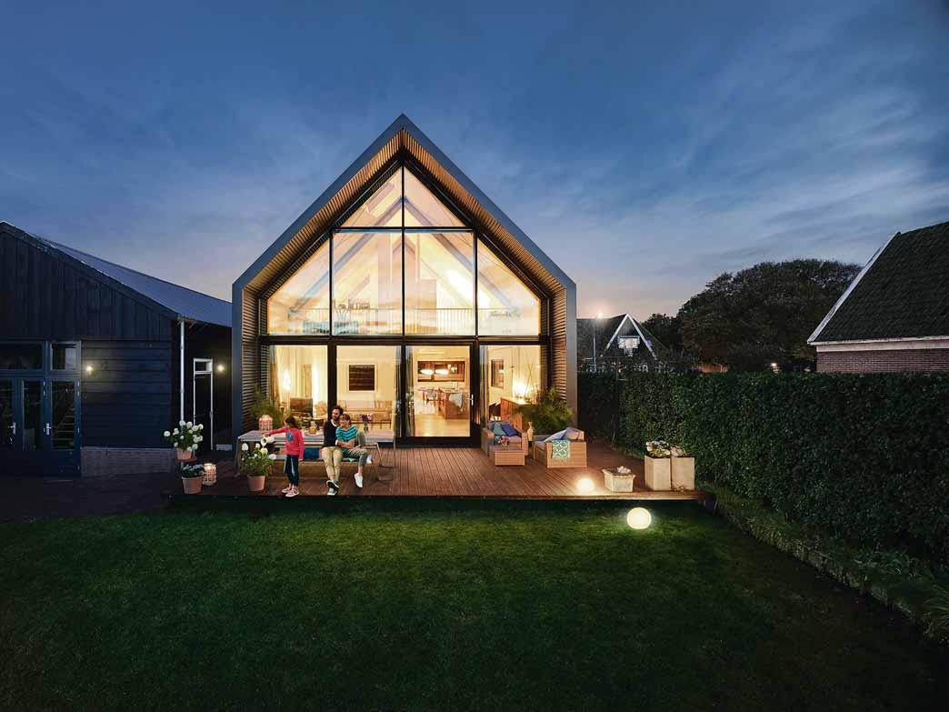 Der Primärenergiebedarf eines Hauses kann durch den Einsatz erneuerbarer Energien gesenkt werden. Foto: Bausparkasse Schwäbisch Hall