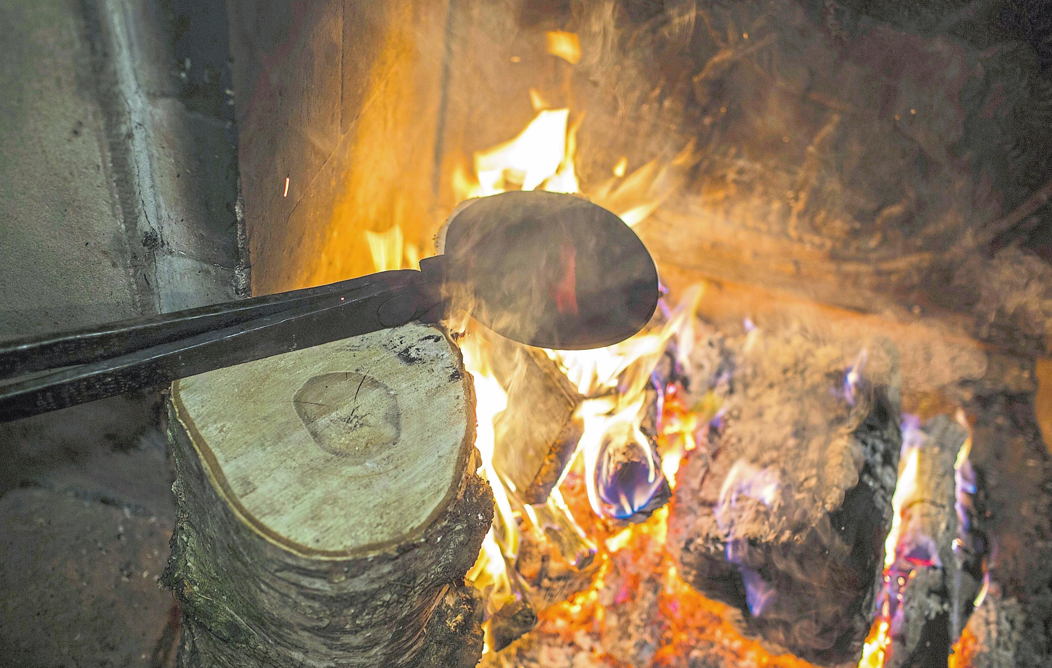 Der Duft von frisch gebackenen Piepkuchen zieht wieder von Freitag bis Sonntag anlässlich des Nikolausmartktes durch die historsiche Innenstadt von Burgsteinfurt. Foto: Wilfried Gerharz