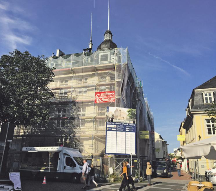 Das historische Rathaus wird mit dem baldigen Abschluss der Sanierung wieder zum Blickfang Bild: Kämpf