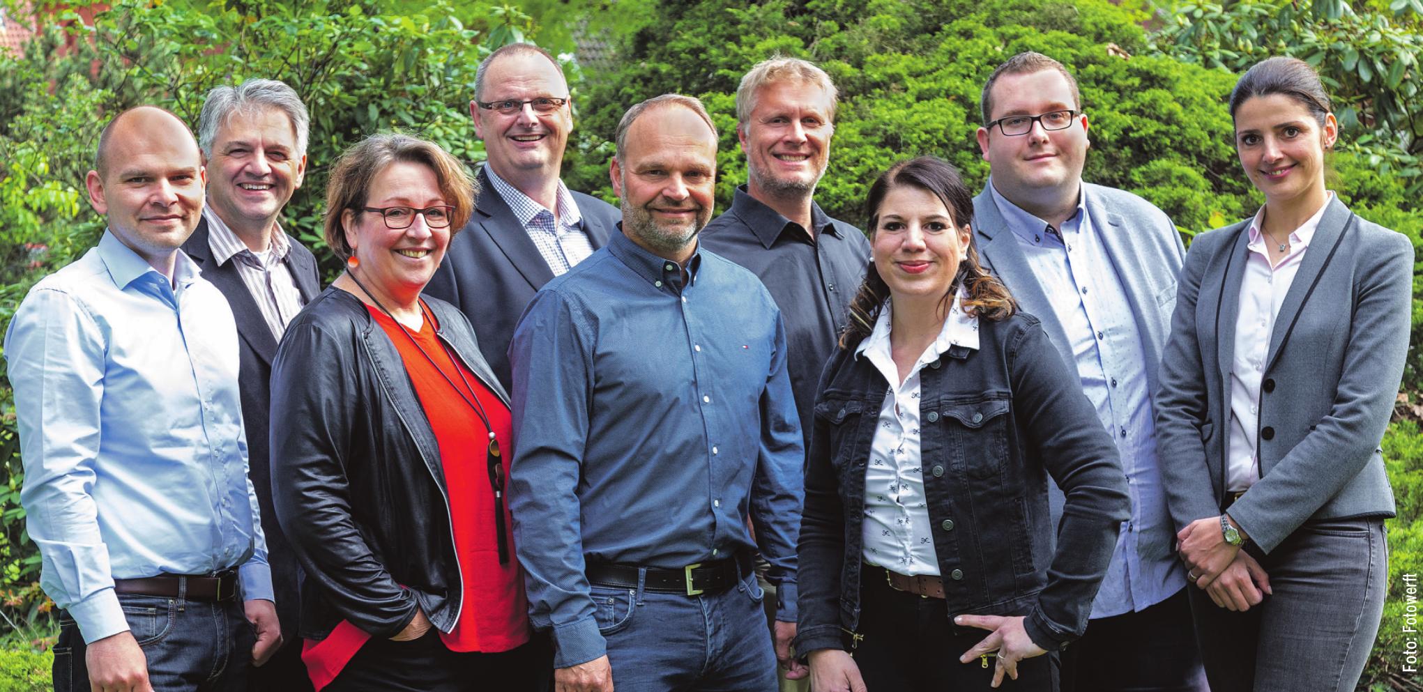 Der aktuelle Vorstand des RBK (von links): Michael Willrodt (Markt-Zeitung), Fred Burmester (Burmester Haustechnik), Anke Harder (Boutique Chic Chic), Wolfgang Sarau (Sammeln und Schenken), Tobias Drebes (Friseur Drebes), Sören Clausen (Blackdog Werbung), Nicole Göbel (Immobilienvertrieb Nord), Jan Hendrik Knupper (Fotowerft) und Nathalie Behrens (Kröpelin GmbH). Auf dem Foto fehlt René Prosch (Elektro-Prosch) Foto: Fotowerft