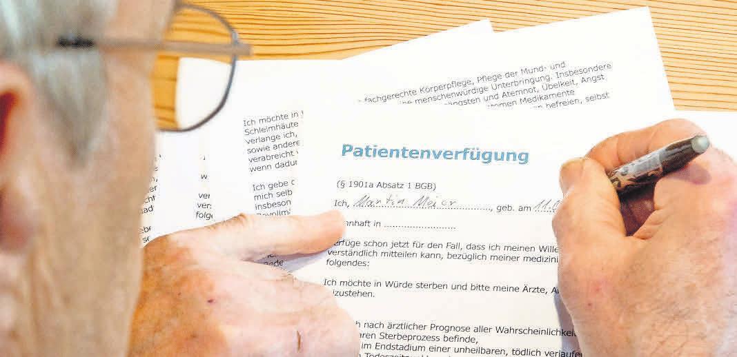 Wer eine Patientenverfügung unterschreibt, muss möglichst genau beschreiben, für welche Situationen das Dokument gelten soll. Foto: Kai Remmers