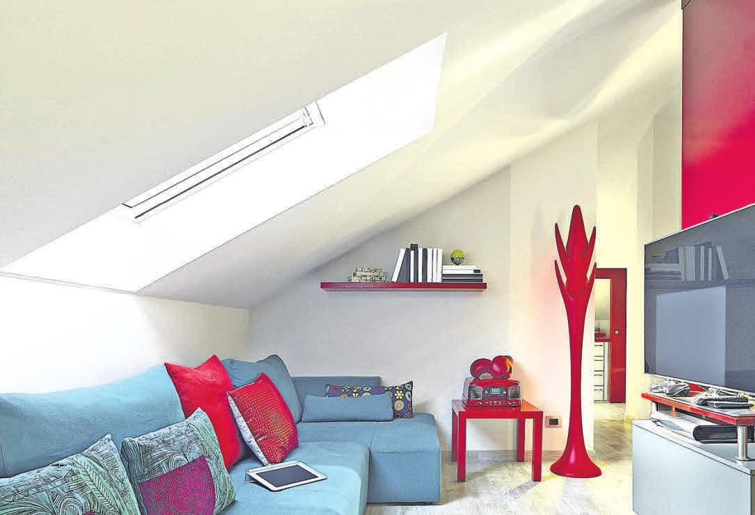 Durch einen Dachausbau entsteht schöner neuer Wohnraum. Hausbesitzer sollten dafür die Statik und mögliche Fenster ebenso bedenken wie den vorbeugenden Brandschutz durch nicht brennbare Baustoffe. FOTO: ADPEPHOTO/FOTOLIA
