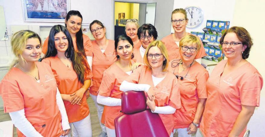 Der Patient steht für das engagierte Team der Facharztpraxis für Kieferorthopädie, Grinsekatz, im Mittelpunkt.