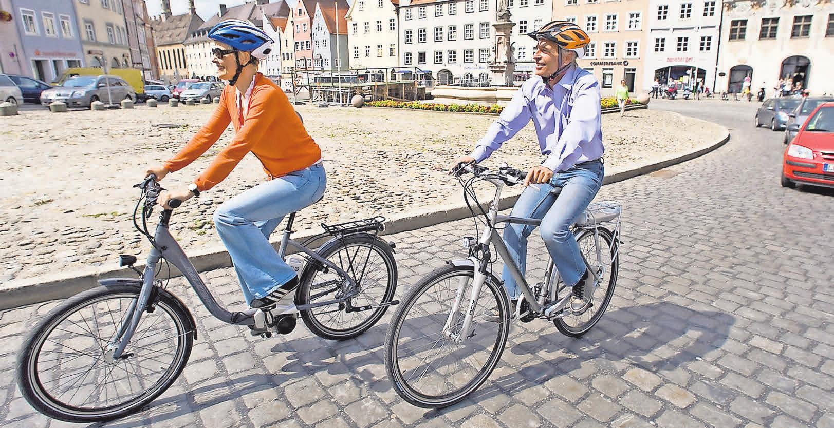 Helme sind für Pedelecs und E-Bikes nicht vorgeschrieben aber sinnvoll.Foto: ADAC / dpp