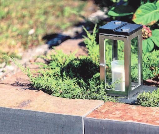 Grablichter sollten dem Toten beim Übergang in eine andere Welt helfen. Foto: Rokstyle/akz-o