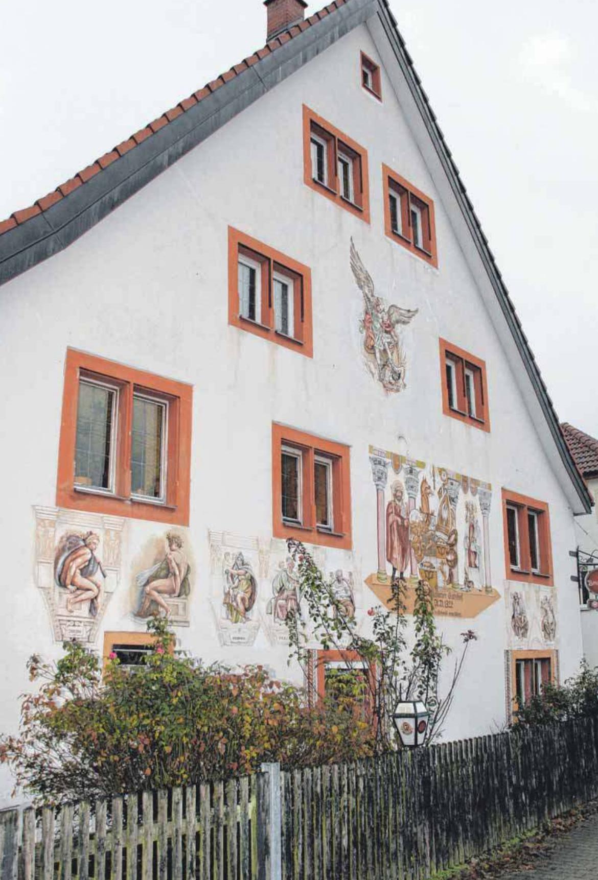 Markanter Blickfang: die Fassade des Brennerhofs.