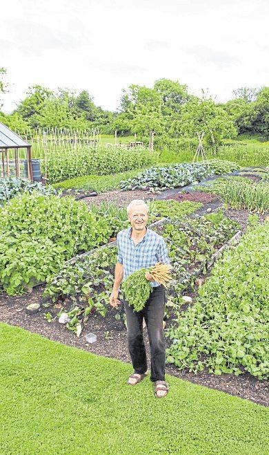 Charles Dowding ist in Großbritannien sehr bekannt für sein Bekenntnis zur No Dig Methode. Er zeigt in seinem Garten, dass man damit seinen Ertrag enorm steigern kann. Foto: www.charlesdowding.co.uk