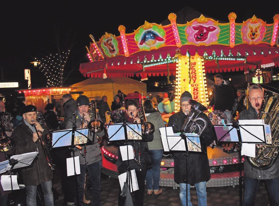Der Posaunenchor hat am Sonntagnachmittag seinen Auftritt beim diesjährigen Weihnachtsmarkt.