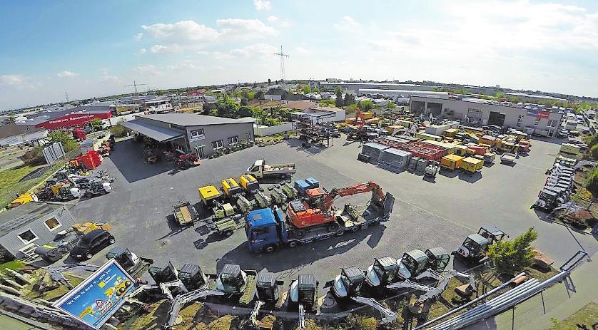 Mit Vollsortiment ausgestattet: Mehr als 350 Baumaschinen sind im Angebot des Mietparks.FOTO: KRAUS BAUMASCHINEN