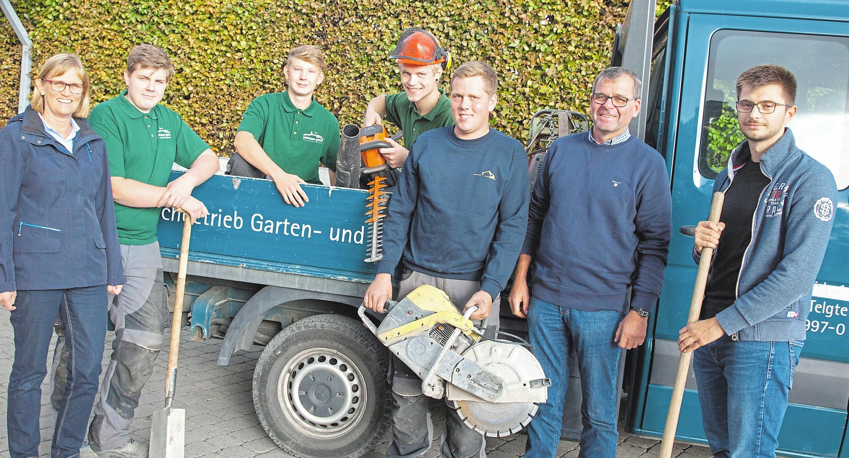 Das Team von Wichmann-Gärten kümmert sich um private und gewerbliche Grünanlagen und Gärten. Foto: Pohlkamp
