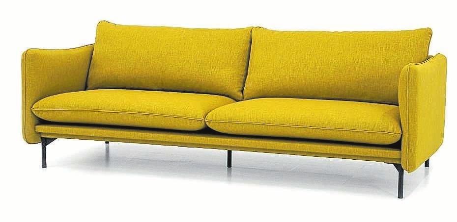 Die Sofa-Kollektion SUNY kann mit über 400 Bezügen perfekt den eigenen vier Wänden angepasst werden. FOTO: HFR