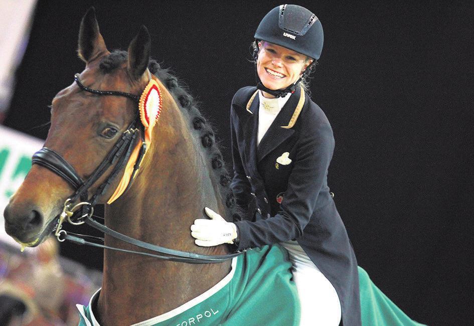 Charmantes Siegerlächeln: Annabel Frenzen gewann mit Imperius den Prix St. Georges.