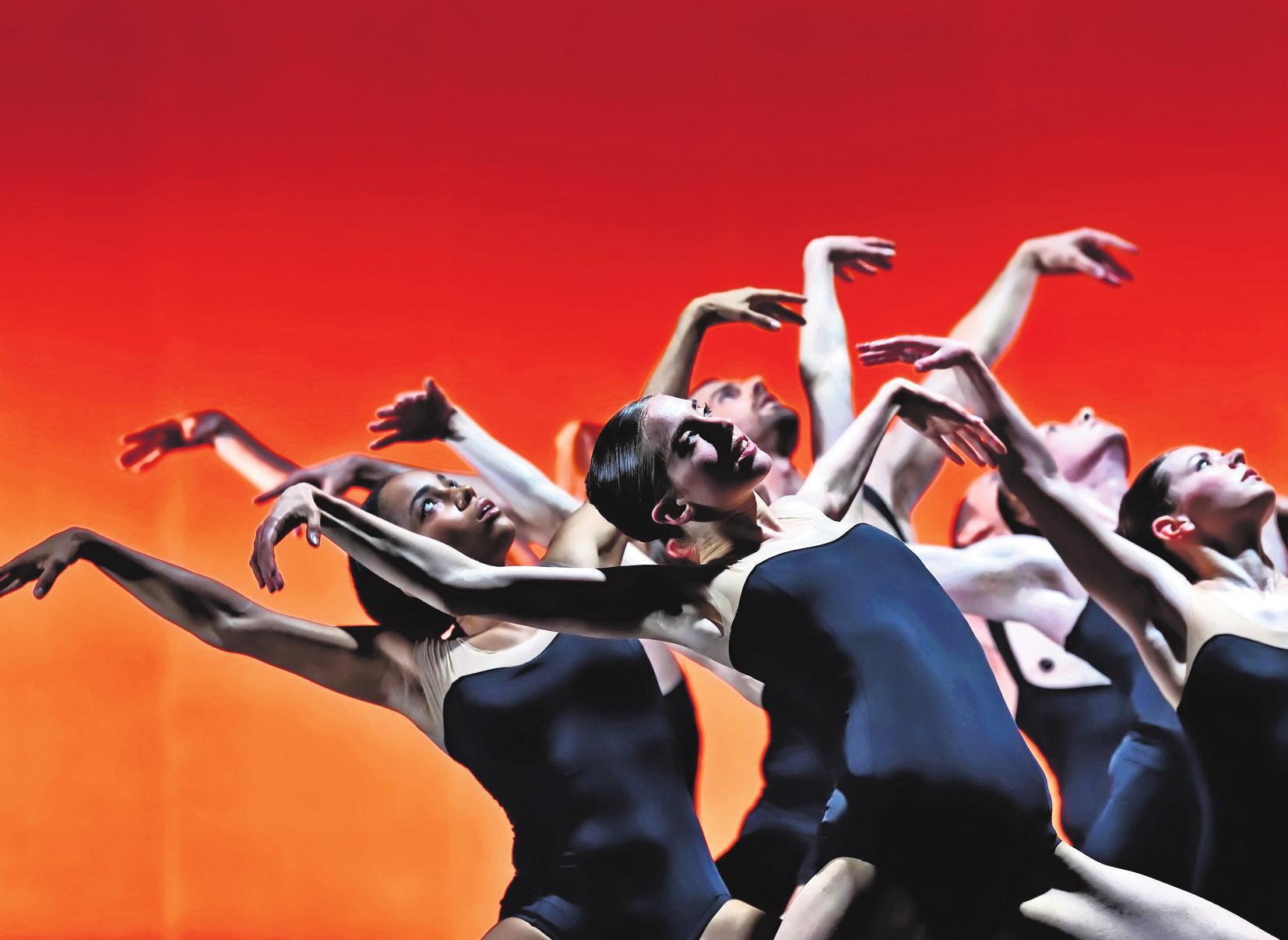 Das kanadische Ballett BC präsentiert gleich drei aufregende Tanzstücke. Foto: Michael Slobodian