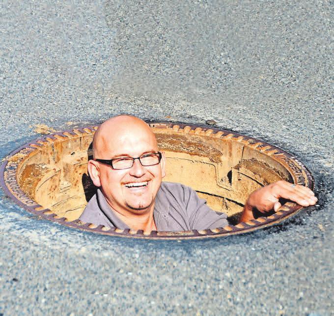 Marc Klauenberg empfiehlt, vor Renovierungsarbeiten einen Fachbetrieb mit der Inspektion und Reinigung der Abwasseranlage zu beauftragen.