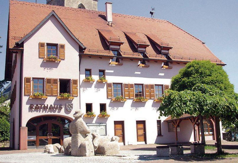 Das Rathaus in Bierlingen ist der Verwaltungssitz der Gemeinde Starzach. Archivbild: Gemeinde