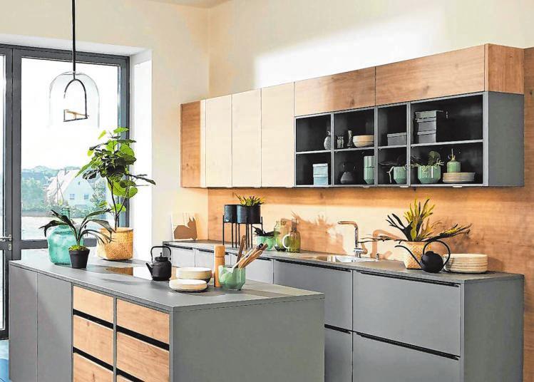 Wer eine neue Kücheneinrichtung plant, kann sich bei einem Bummel durch große Küchenausstellungen anregen und inspirieren lassen.