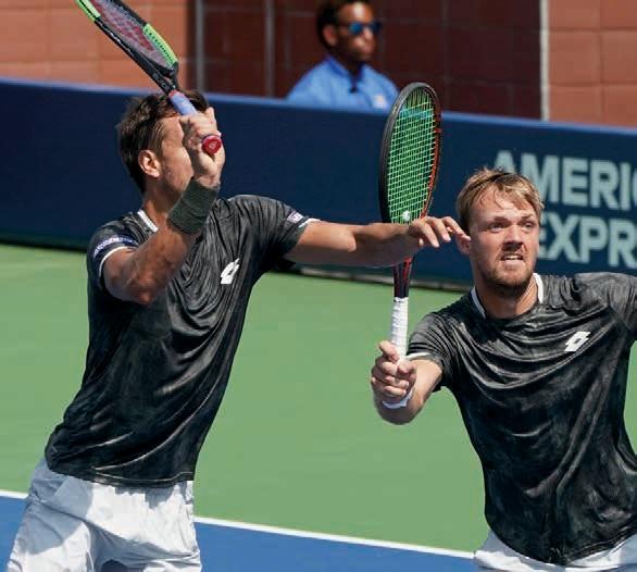 Nimm du, nein ich. Grand Slams scheinen Andy Mies und Kevin Krawietz zu gefallen. Foto: Jürgen Hasenkopf