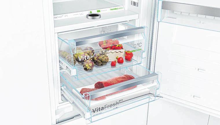 Dank optimaler Lagerbedingungen bleiben die Lebensmittel vitaminreich und bis zu dreimal länger frisch. Temperaturfühler kontrollieren und steuern permanent die Umgebungs-, Kühl- und Gefrierschranktemperatur.