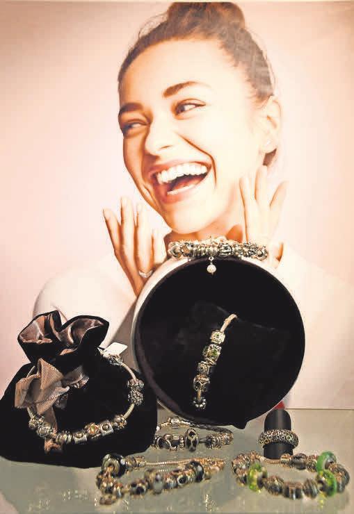 Bei Juwelier Rüther gibt es bis zu 50 Prozent Preisnachlass auf ausgewählte Pandora-Elemente der vorangegangenen Kollektionen.