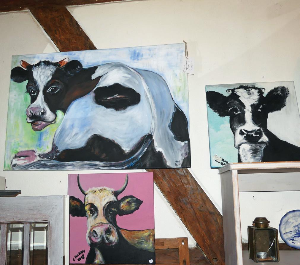 Malerin Sabina Hamacher hatte bereits zwei Ausstellungen in der Gemeinde, bei denen der Erlös ihrer Bilder wohltätigen Zwecken zugutekam.