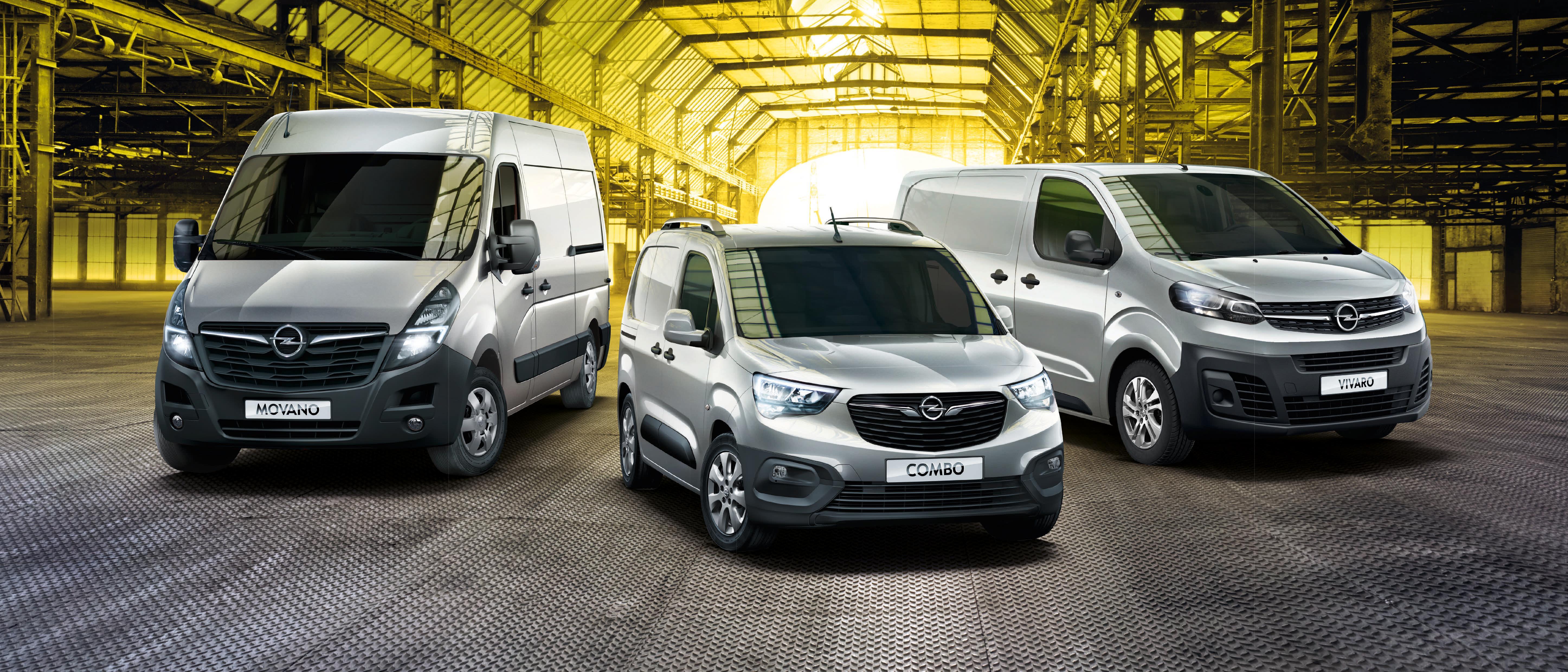 """Beim Opel-Autohaus """"Josef Zimmermann GmbH & Co.KG"""" in Sigmaringen finden Sie nicht nur eine große Auswahl an PKW, sondern auch das richtige Nutzfahrzeug, ganz auf Ihre individuellen Bedürfnisse zugeschnitten. Ob zur Personenbeförderung, zum Warentransport, als Kurierfahrzeug, als mobile Werkstatt mit individueller Einrichtung oder als Kühltransporter – dank vielfältiger Angebote für Um- und Aufbauten ab Werk sowie durch Opel zertifizierte Partner bieten wir für jede Aufgabe das passende Fahrzeug. Jetzt Combo (Mitte), Vivaro (rechts) und den extragroßen Movano (links) beim Autohaus Zimmermann Probe fahren! FOTO: OPEL"""
