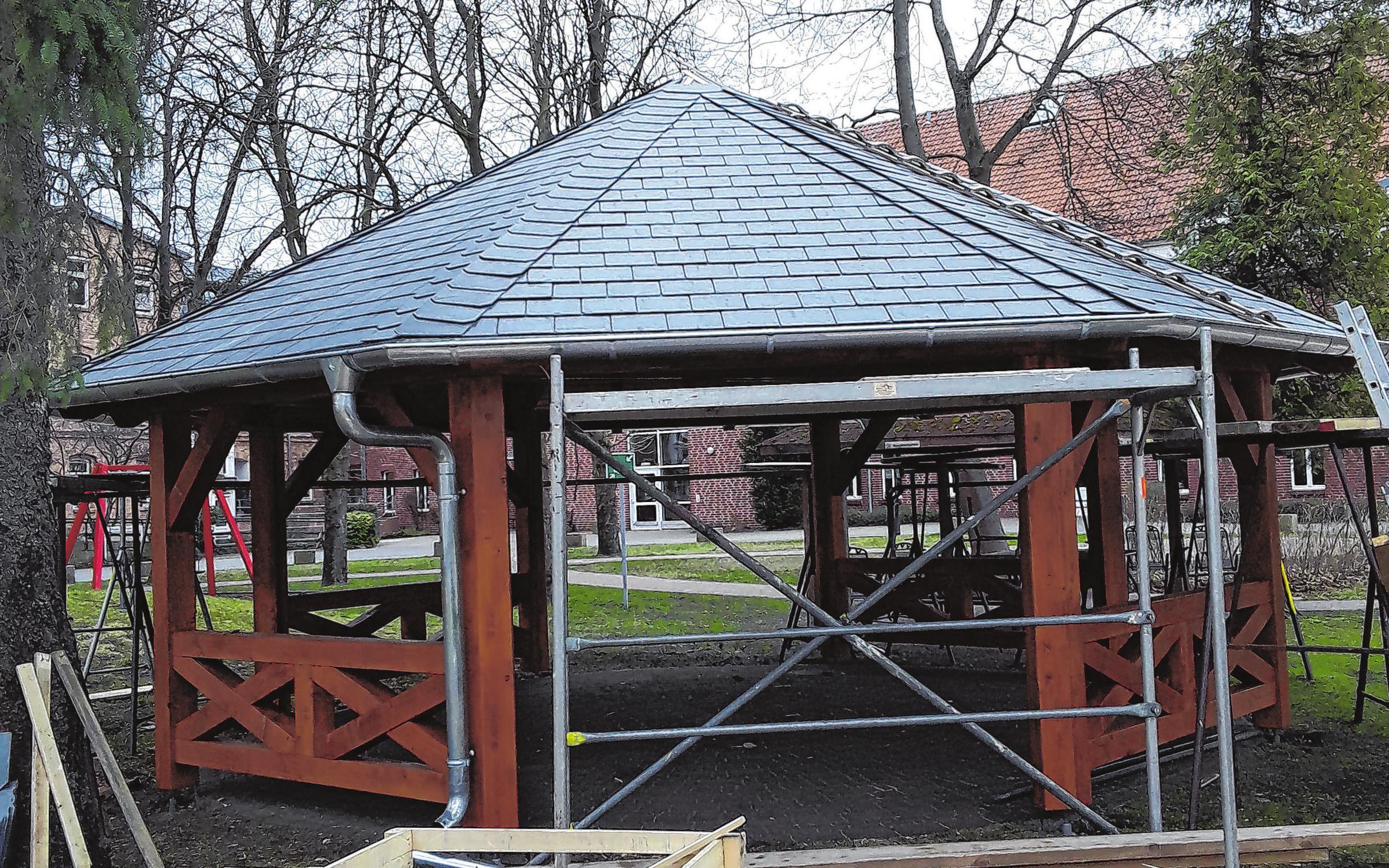 Der hölzerne Pavillon auf dem Gelände der Samariteranstalten in Fürstenwalde wurde von den Demnitzer Handwerkern errichtet.