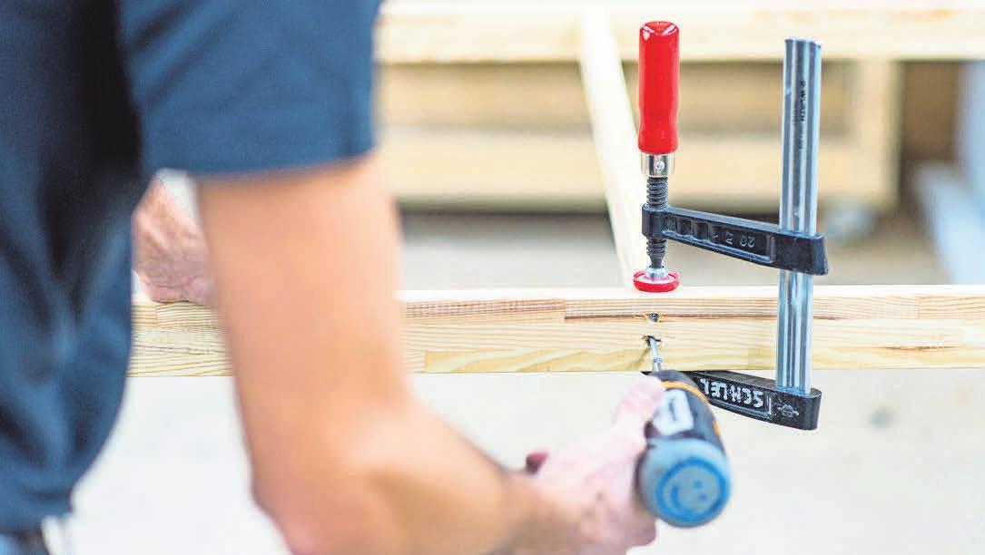Wer ein eigenes Heimwerker-Projekt startet, benötigt dafür oft auch spezielles Werkzeug.