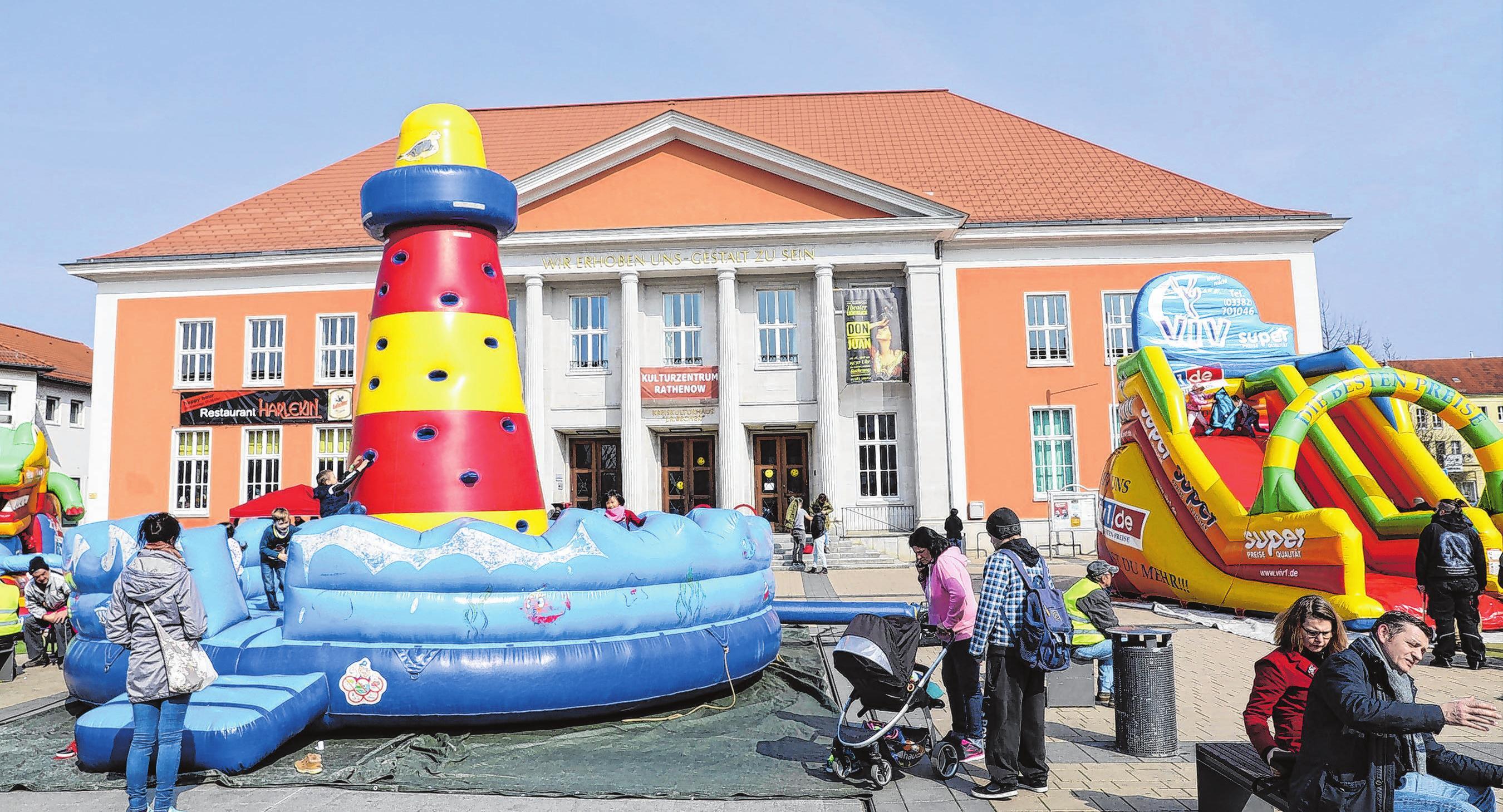 Kinderspaßwelt auf dem Märkischen Platz. Foto: Weber