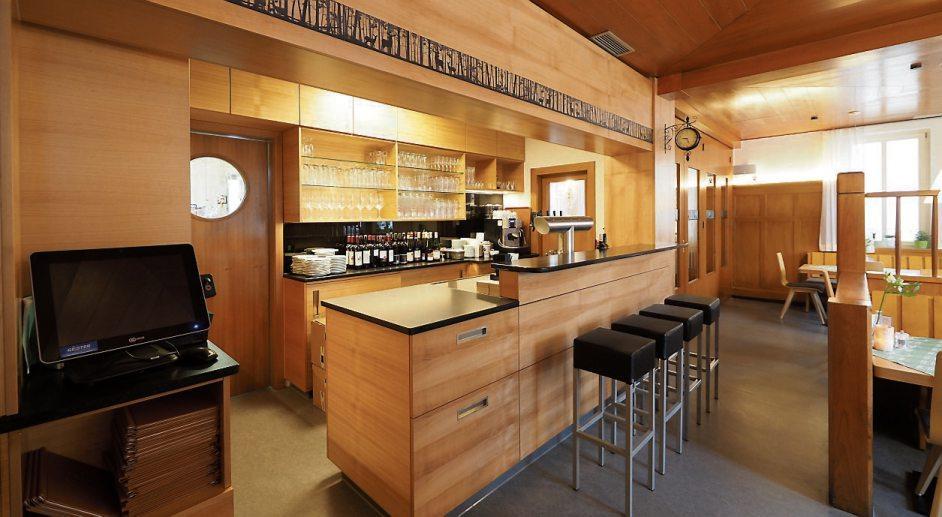 """Nach der Renovierung hat das Gasthaus seinen gemütlichen Charme behalten: Im Derendinger """"Hirsch"""" kann man hervorragend schwäbisch essen."""