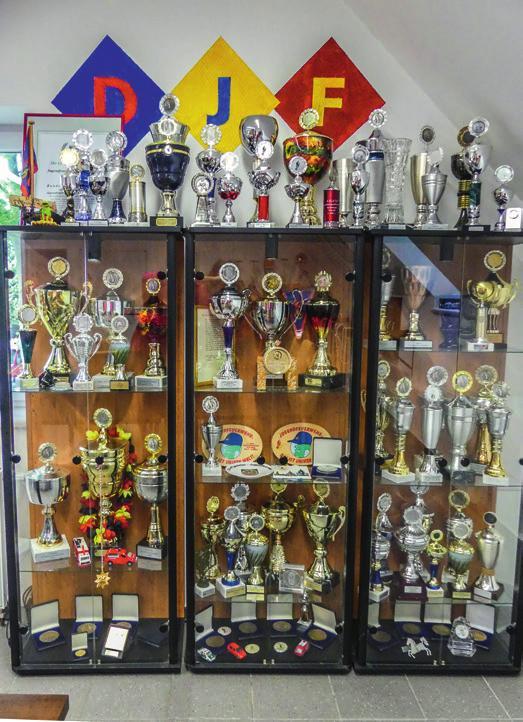 Unzählige Pokale hat die Jugendfeuerwehr im Laufe ihrer 50-jährigen Geschichte gesammelt.