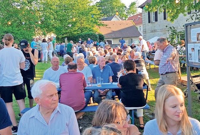 Zahlreiche Gäste besuchten im vergangenen Jahr die erste Buschenschänke im Museumsgarten. Heuer gibt es eine Neuauflage. Fotos: privat