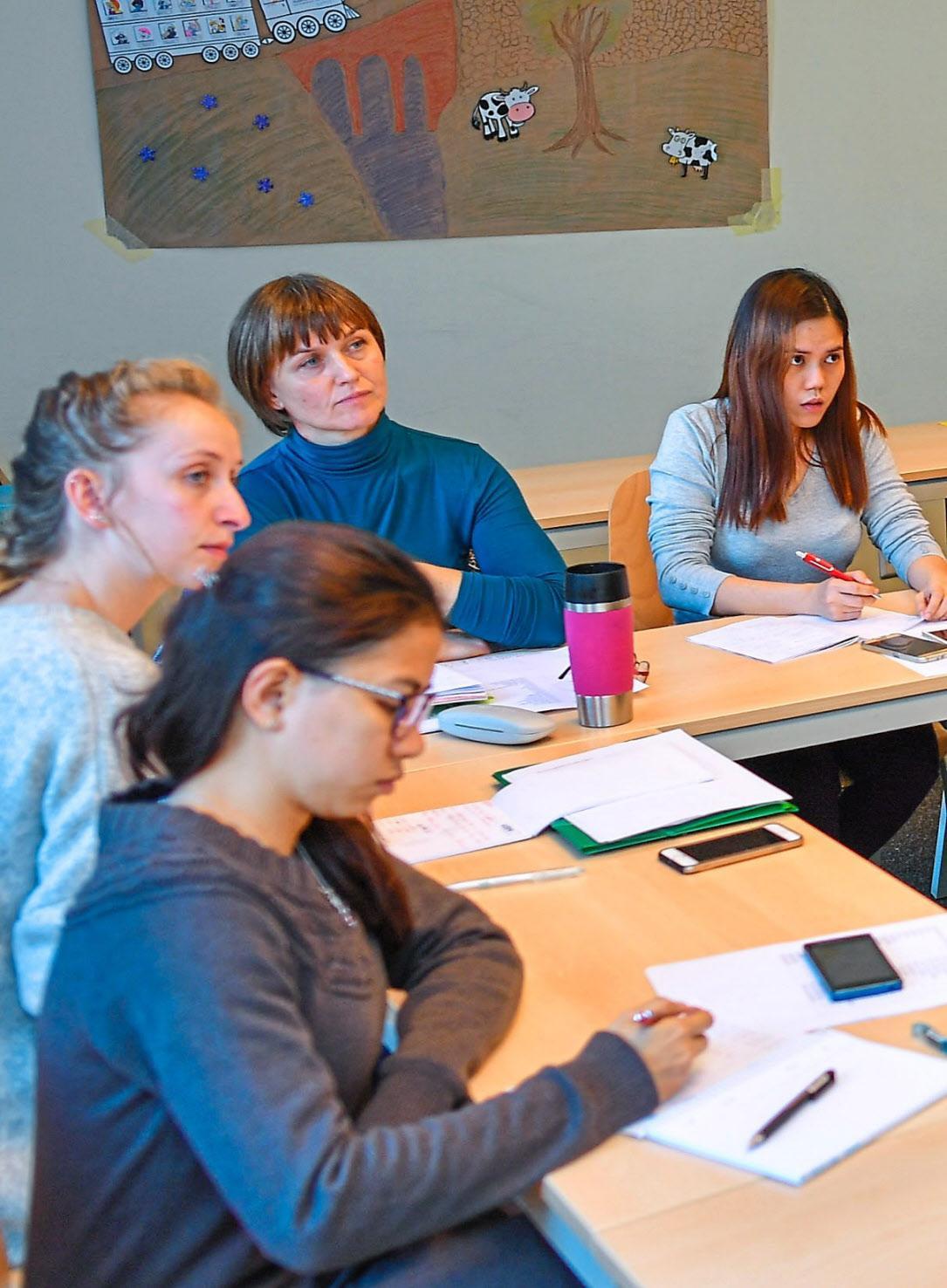 Lebenslanges Lernen: Wer besondere Qualifikationen vorweisen kann, erhöht damit seine Job-Chancen. Foto: Pleul/dpa
