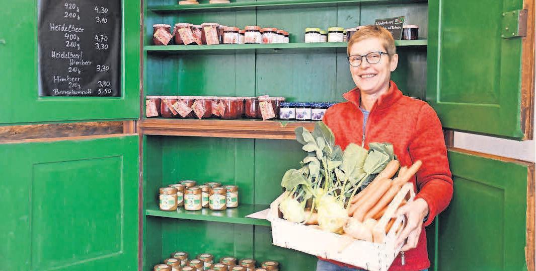 Heike Hornbostel weiß, wo ihre Nahrungsmittel herkommen – nämlich aus der Nähe. Deshalb überzeugt ihr Hofladen-Sortiment mit seinem frischen, hochwertigen Angebot.