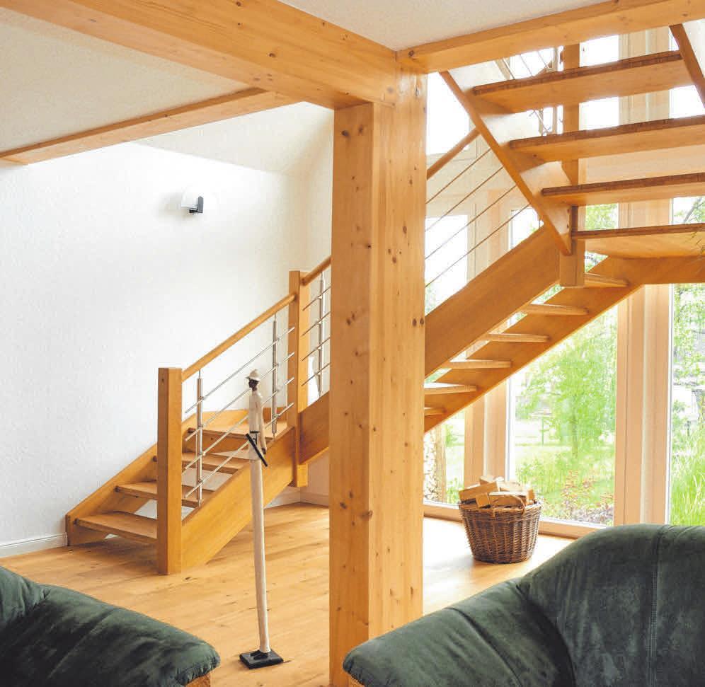 Naturholz eignet sich für viele Treppen-Bauformen und unterstützt gleichzeitig eine behagliche, gesunde Raumatmosphäre. FOTO: DJD/TOPATEAM/WORTMANN TREPPEN
