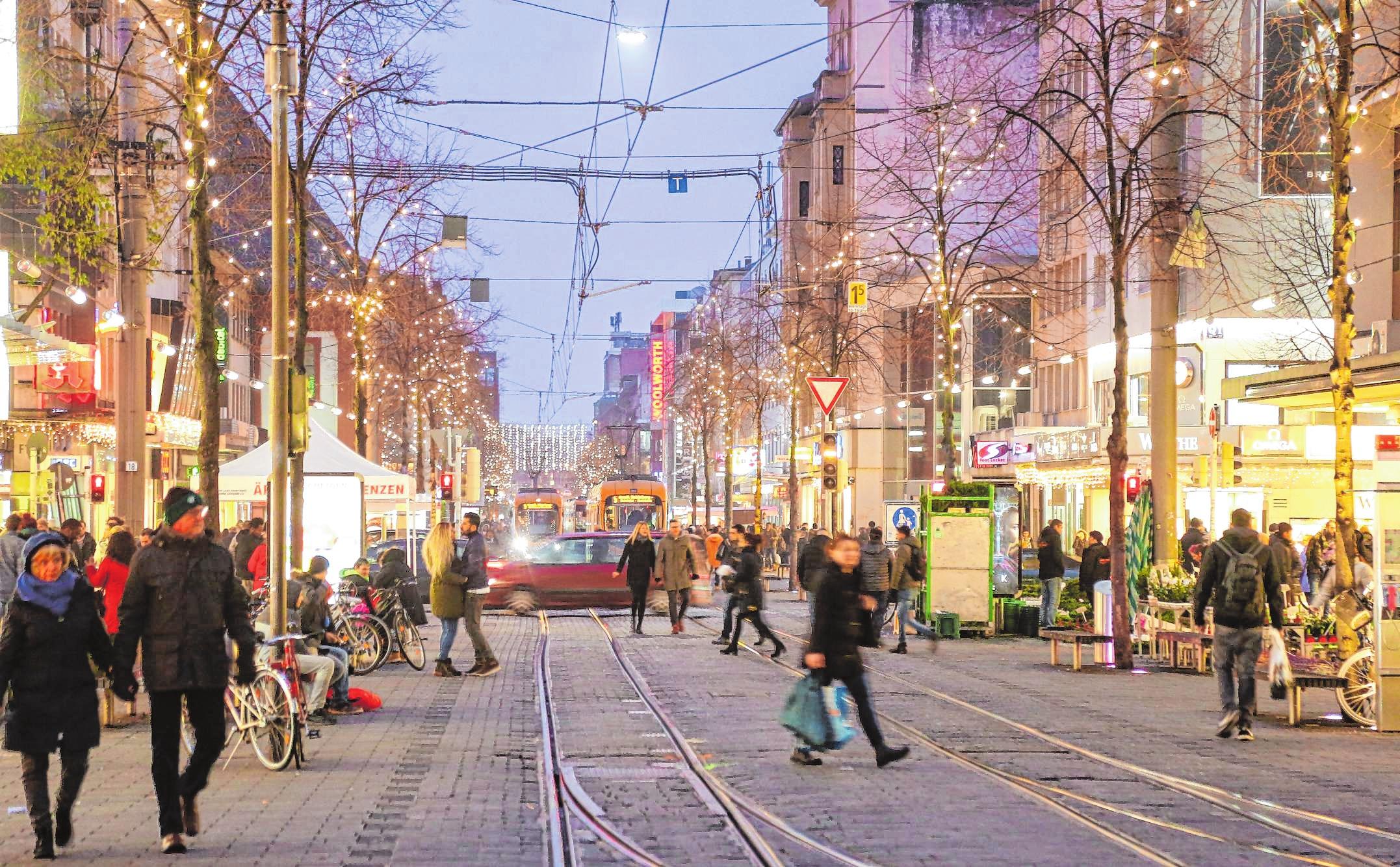 Mannheims Innenstadt im Weihnachtsglanz