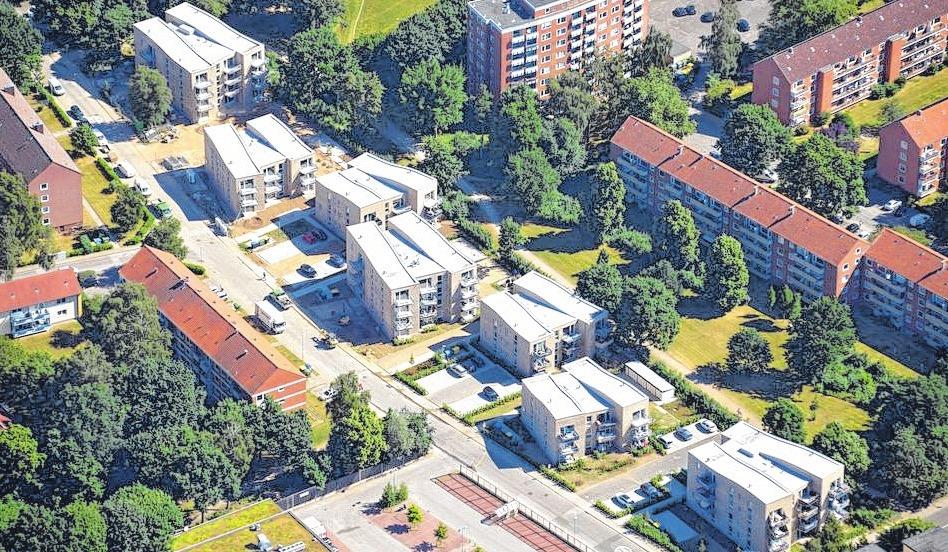 """In Moisling entstanden die kürzlich fertiggestellten """"Sieben Moislinge"""" im Schneewittchenweg. Dort finden Familien und Senioren in den teilweise barrierefreien Wohnungen ein modernes Zuhause."""