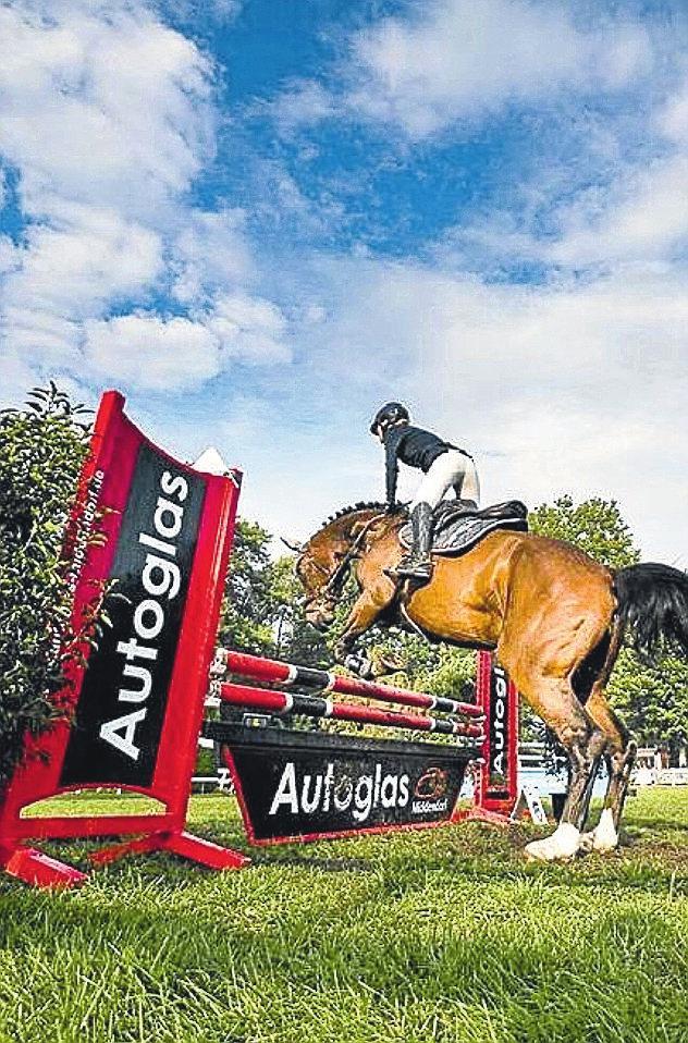 Partner des Pferdesports: Autoglas Middendorf hat eine enge Verbindung zu Ross und Reiter.