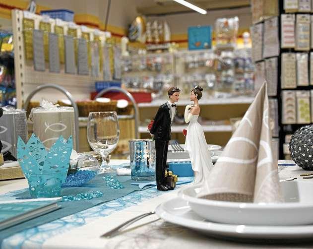 Tischdeko für festliche Anlässe finden die Kunden im Kreativhaus. FOTO: CHRISTINA KRÖGER