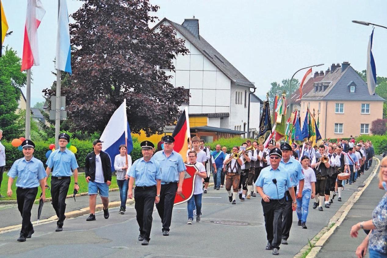Ein Höhepunkt im Heimat- und Wiesenfestreigen ist der Festzug am Sonntag.
