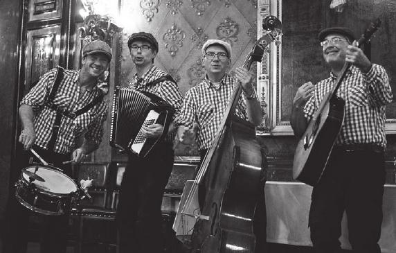 Die Bamsi Kosaken begleiten den Shopping-Sonntag bei Schulenburg in der Wohnmeile musikalisch