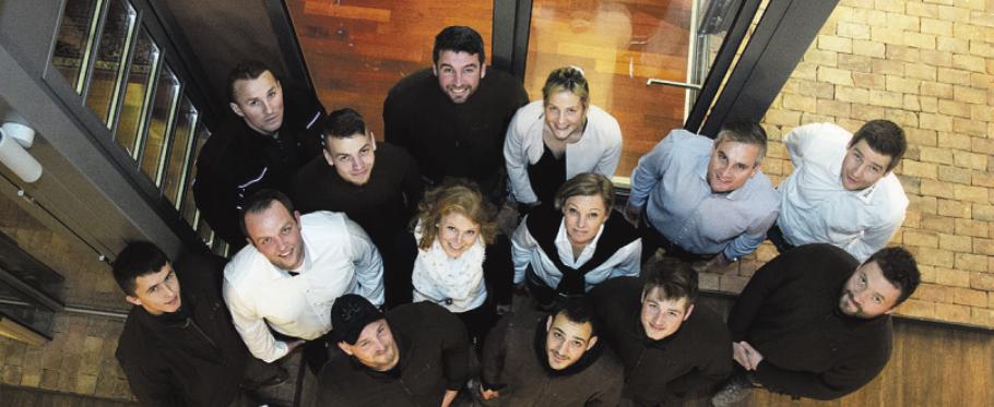 Sebastian Knoop und seine Mitarbeiter freuen sich auf alle, die mitfeiern wollen Foto: Kundenfoto